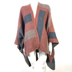 BB Dakota poncho scarf